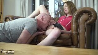 Hardcore pussy fucking and cumshot in mouth for an attractive young from previous man