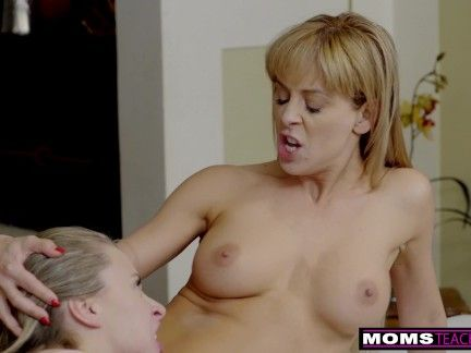Step Siblings Give StepMom A Moms Day Fuck S8:E4