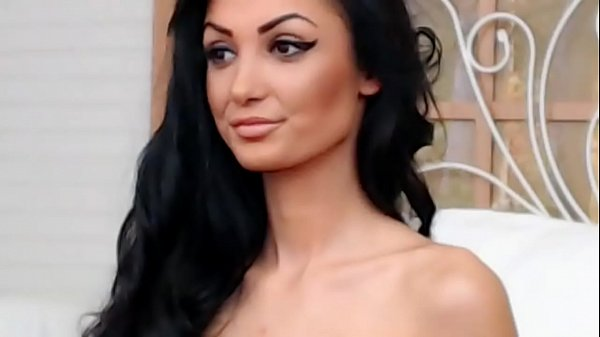 Perfect Sexy Teen shows Tits on cam - GirlTeenCams.com